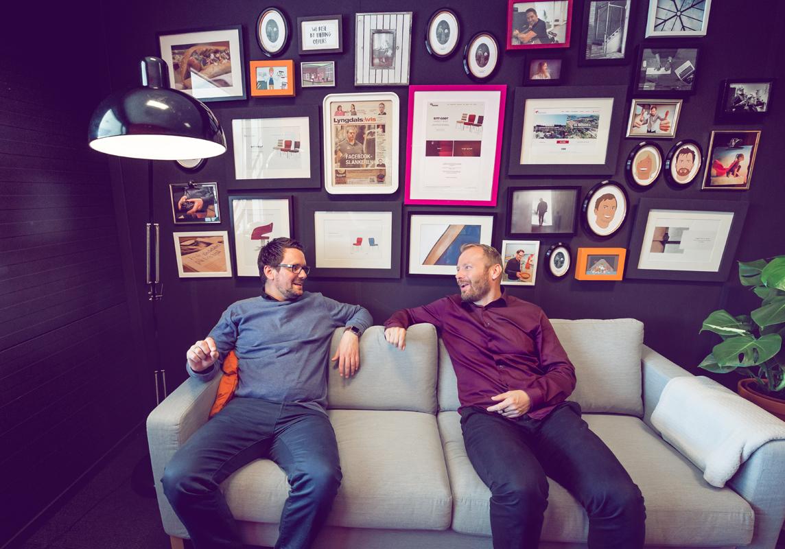 Remi A. Netteland og Karl Erik Lohr i loungen til Media Sør